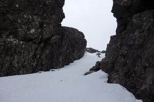Summit/Pinnacle Gully, Blá Bheinn: In Pinnacle Gully, just below the arete Photo: Scott Muir