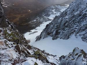 Glissade Gully, Ben Macdui: Stob Coire Sputan Dearg: Looking down into Glissade Gully Photo: Scott Muir