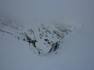 Y Gully, Carn an Tuirc: Coire Kander: Looking down Easy Gully on a day when the visibility wasn't great. Photo: Scott Muir